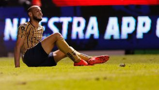 Carlos González durante el partido contra Puebla