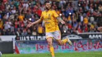 André-Pierre Giganc festeja un gol con los Tigres
