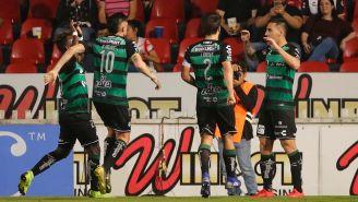 Santos festejando un gol ante Veracruz