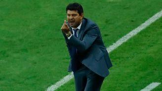 Pepe Cardozo reclama falta en el Clásico Nacional