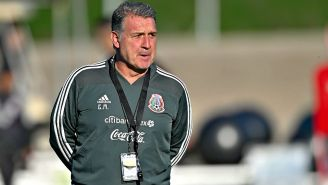 Tata Martino durante un entrenamiento con el Tri previo al duelo vs Chile