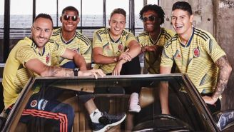 Jugadores de Colombia presentan la nueva indumentaria