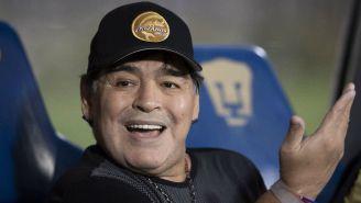 Maradona durante el juego entre Pumas y Dorados de la Copa MX