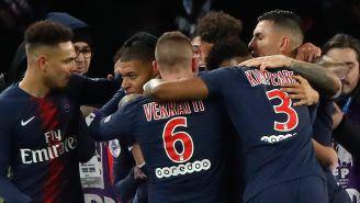 Jugadores del PSG celebran gol en la Liga