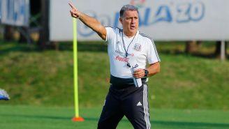 El Tata Martino durante un entrenamiento con los seleccionados mexicanos