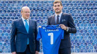 Iker Casillas tras firmar su renovación con el Porto