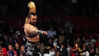 Mr. Águila en una función de lucha libre