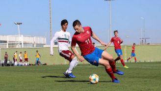 Macías, durante el partido vs Rep. Checa
