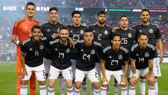 Jugadores de la Selección Mexicana antes de jugar contra Paraguay