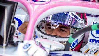 Sergio Pérez dentro de su monoplaza en el GP de Bahrein