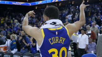 Stephen Curry celebra triunfo de Golden State