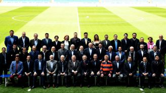 La comitiva de periodistas y directivos mexicanos, en el Santiago Bernabéu, previo a la votación para el Salón de la Fama