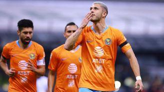 Guido Rodríguez festeja un gol con América