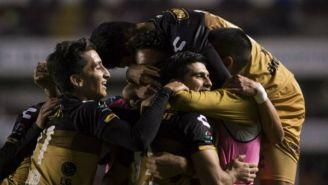 Jugadores de Dorados festejan triunfo en Copa MX