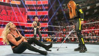 Rousey, Charlotte y Lynch durante un programa de Raw