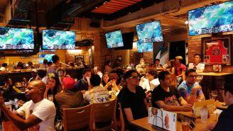 El restaurante lució repleto para la 'viewing party' de Infinity