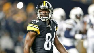 Antonio Brown durante un partido de Steelers