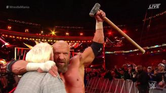 Triple H fesetja el triunfo con Ric Flair