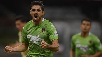 Prieto festeja un gol contra América