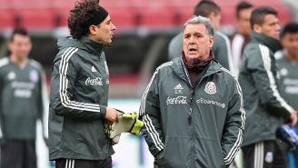 Ochoa y Martino, durante un entrenamiento con el Tri