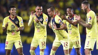 Paul Aguilar baila tras anotar un gol