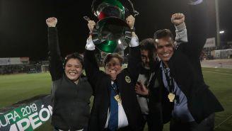 Miguel Herrera levanta el título del C2019 en Copa MX