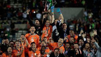 El América festeja el título de Copa MX