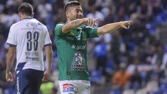 Jean Meneses festeja gol ante Puebla en la J14 del C2019