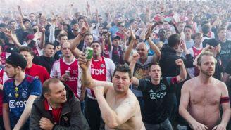 Aficionados del Ajax antes de un partido