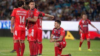 Jugadores del Veracruz, desolados tras la derrota 9-2 frente a Pachuca