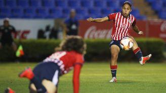 Jugadoras de Chivas durante el partido ante Tigres