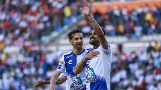 Franco Jara y el Dedos López festejan un gol