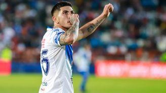 Víctor Guzmán celebra un gol contra Pachuca