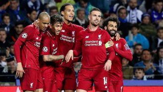 El festejo de los jugadores del Liverpool tras el gol de Van Dijk