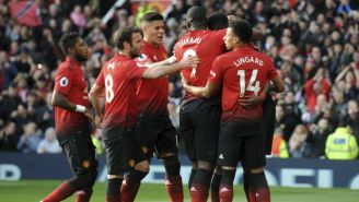 Jugadores del Man United festejan victoria