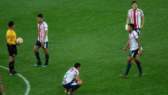 Jugadores de Chivas se lamentan tras derrota contra Puebla