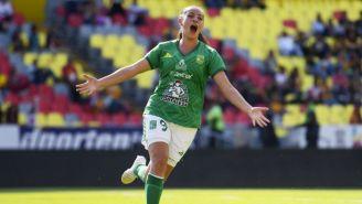 Michelle Vargas festeja un gol con León frente a Morelia