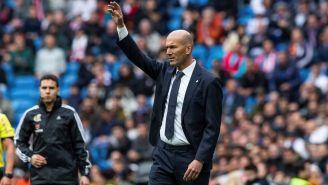Zidane da indicaciones a su equipo en La Liga