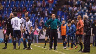 El Chelís durante el partido contra Tigres