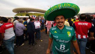 Aficionado del León en el Estadio Akron