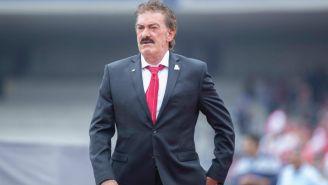 Ricardo La Volpe durante el duelo entre Pumas y Toluca