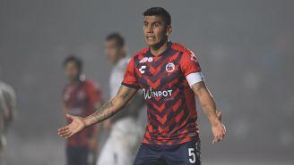 Carlos Salcido durante un juego de Veracruz