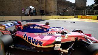 Sergio Pérez en su monoplaza en el GP de Azerbaiyán