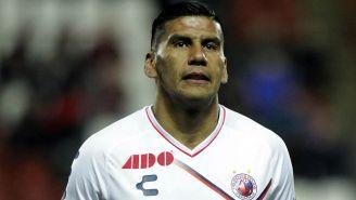 Carlos Salcido durante un partido contra Xolos