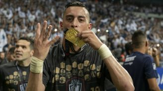 Funes Mori celebra haber ganado Concachampions con Monterrey