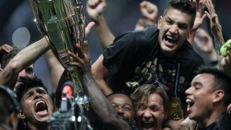 Jugadores de Rayados festejan Título de la Concachampions