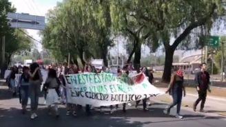 Alumnos de la UNAM marchan rumbo a CU
