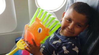 Andrik en el avión que lo llevó a Puerto Vallarta