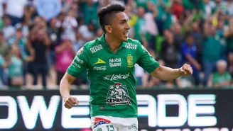 Ángel Mena festeja el primer gol del León