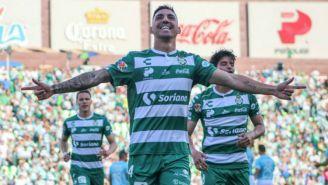 Marcelo Correa festeja anotación contra Gallos